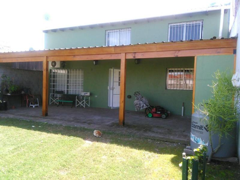 Foto Casa en Venta en  La Plata ,  G.B.A. Zona Sur  49 bis n° 2927