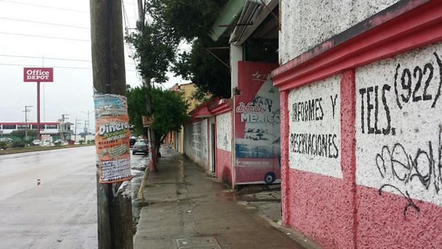 Foto Terreno en Venta en  Insurgentes Sur,  Minatitlán  AV. INSTITUTOS TECNOLOGICOS S/N  COL INSURGENTES SUR A UN LADO DEL LOCAL COMERCIAL AUTOZONE CASI ENFRENTE DE OFFICE DEPOT