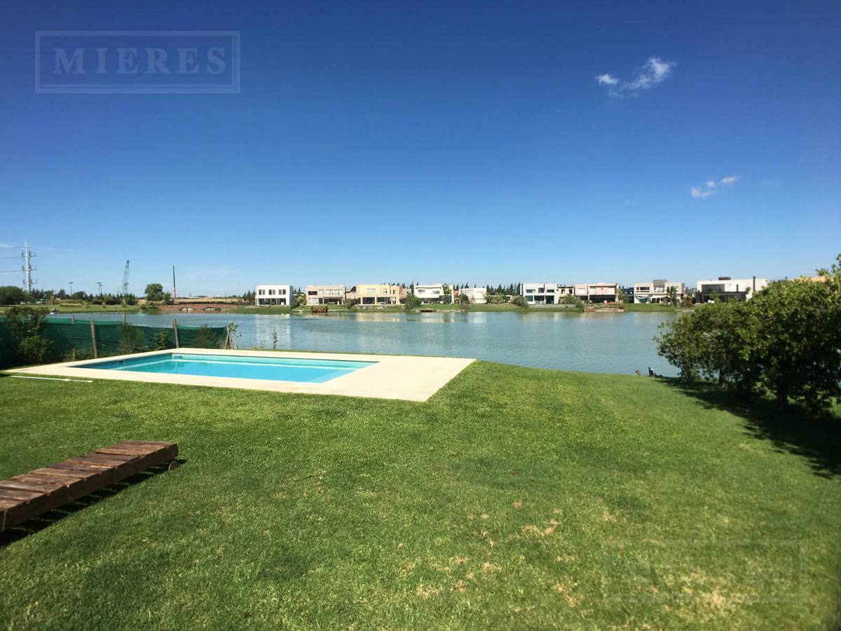 Casa a la Laguna en venta en  La Comarca