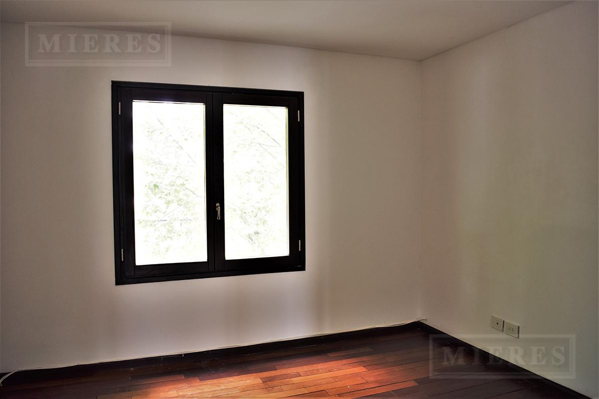 Mieres Propiedades - Casa de 382 mts en Ayres de Pilar
