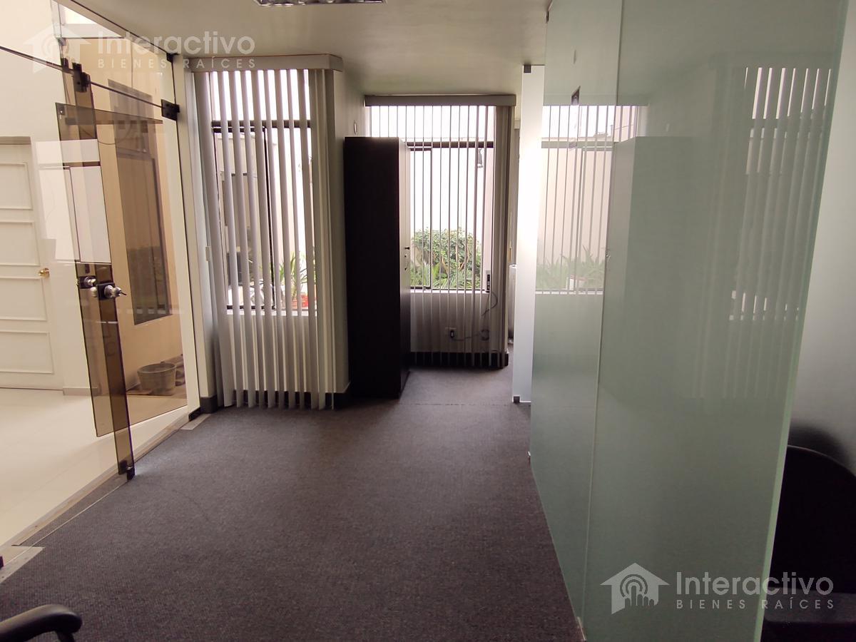 Foto Oficina en Alquiler en  San Isidro,  Lima  Oficina en 1er piso a la altura de la cdra 15 de Javier Prado Oeste y 2 de Mayo