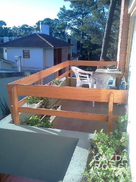 Foto Departamento en Venta en  Pinamar ,  Costa Atlantica  Dto en excelente ubicacion.