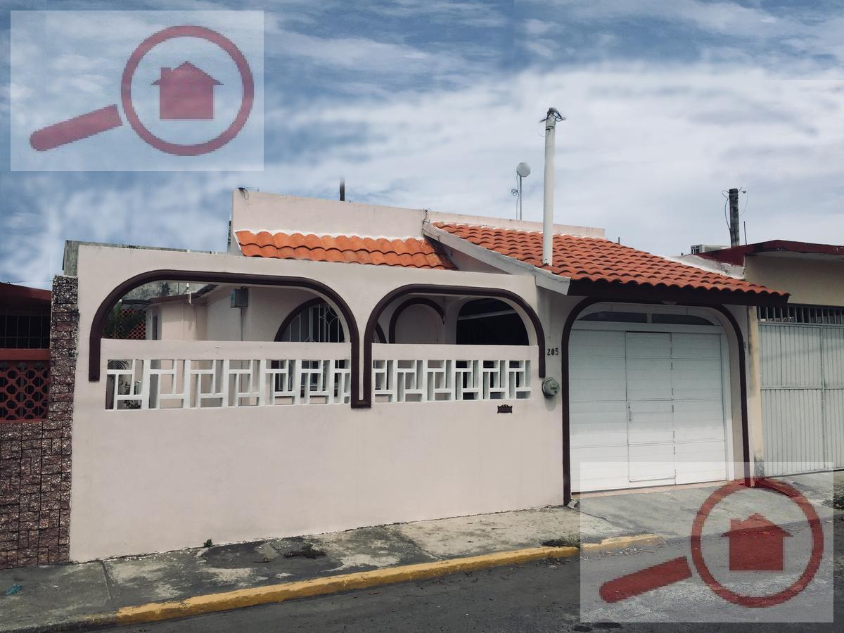 Foto Casa en Venta en  Adolfo Ruiz Cortines,  Veracruz  Casa en Venta cerca de Los Pinos,  Tecnológico y Chedrahui Norte