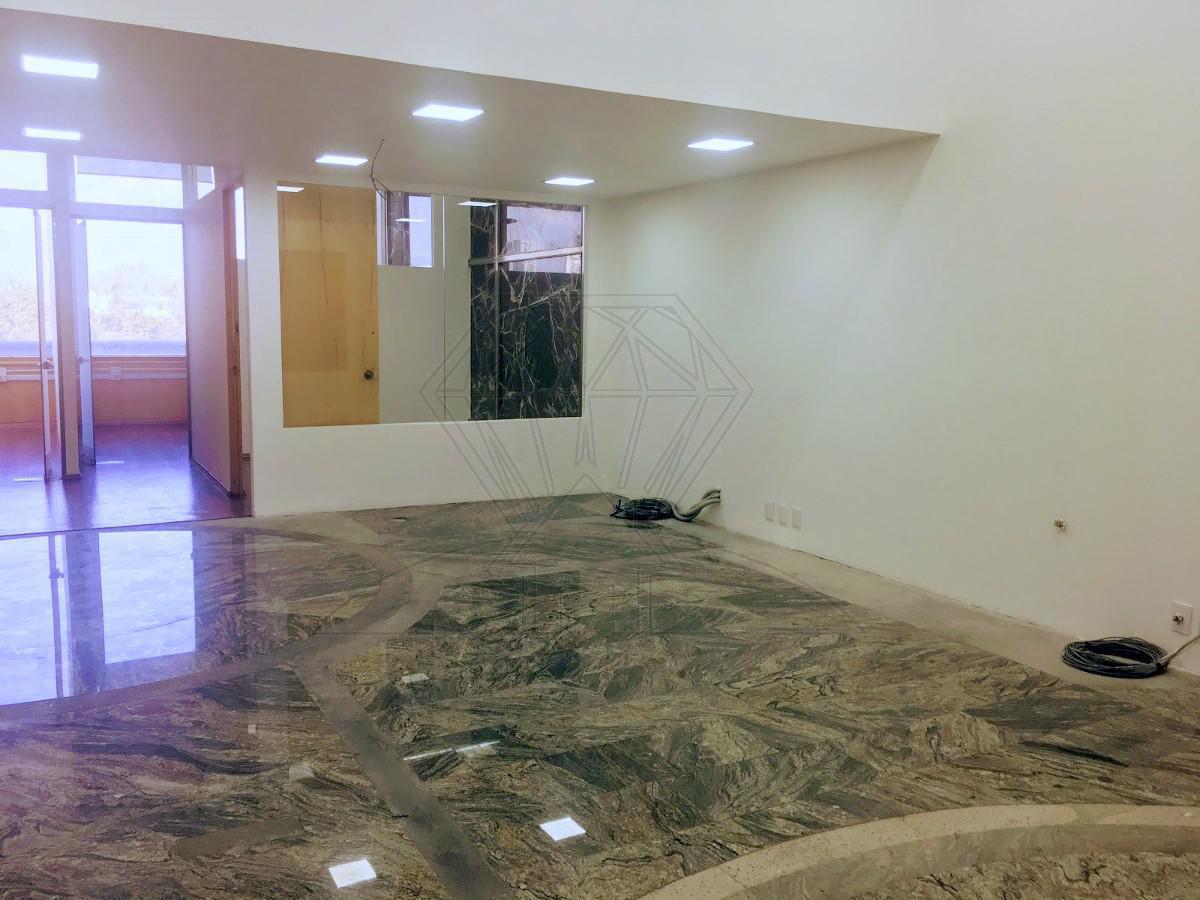 Foto Oficina en Venta | Renta en  Bosques de las Lomas,  Cuajimalpa de Morelos  Renta de Oficina en Paseo de los Laureles (GR)