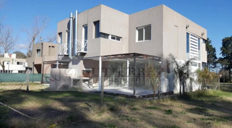 Foto Casa en Venta en  Pilar,  Pilar  Barrio La Josefina al 200