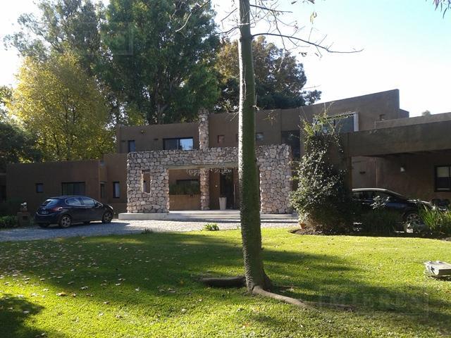 Mieres Propiedades - Casa de 537 mts. en Highland Park