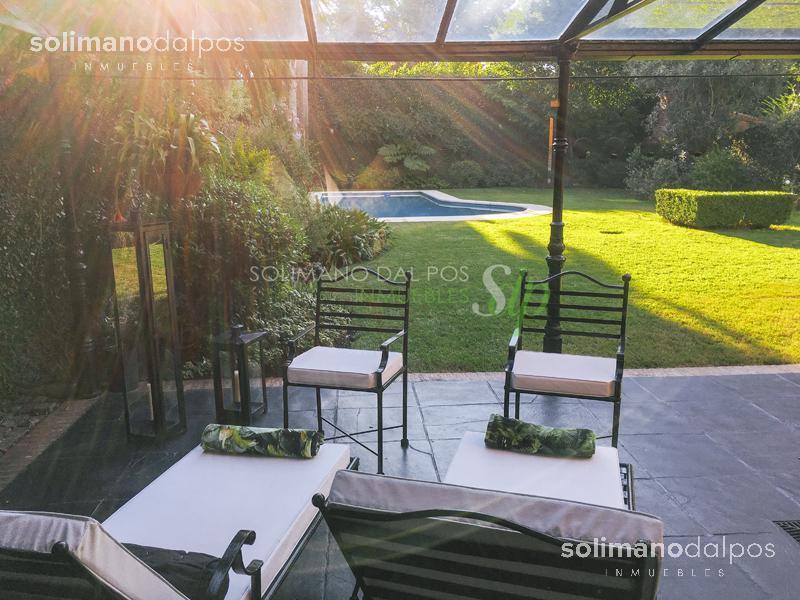 Foto Casa en Venta en  Mart.-Vias/Libert.,  Martinez  Ladislao Martinez al 1000