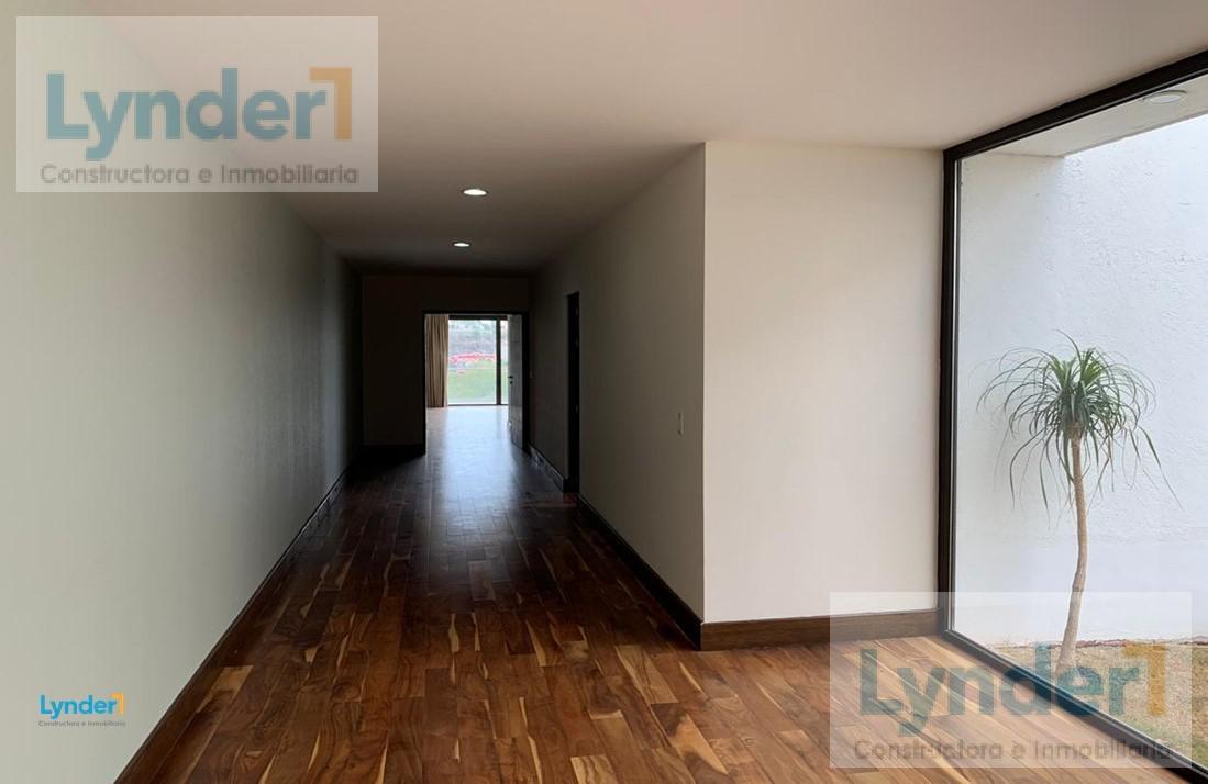 Foto Casa en Venta en  Juriquilla,  Querétaro  ESPECTACULAR Residencia con acabados de lujo e INCREIBLE vista al Náutico de Juriquilla