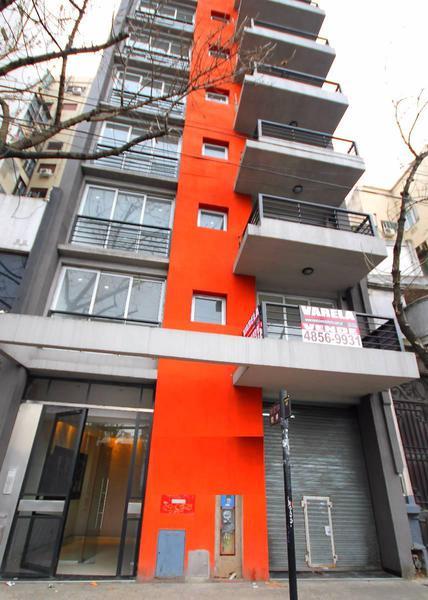 Foto Departamento en Venta en  Balvanera ,  Capital Federal          Avenida Jujuy 300