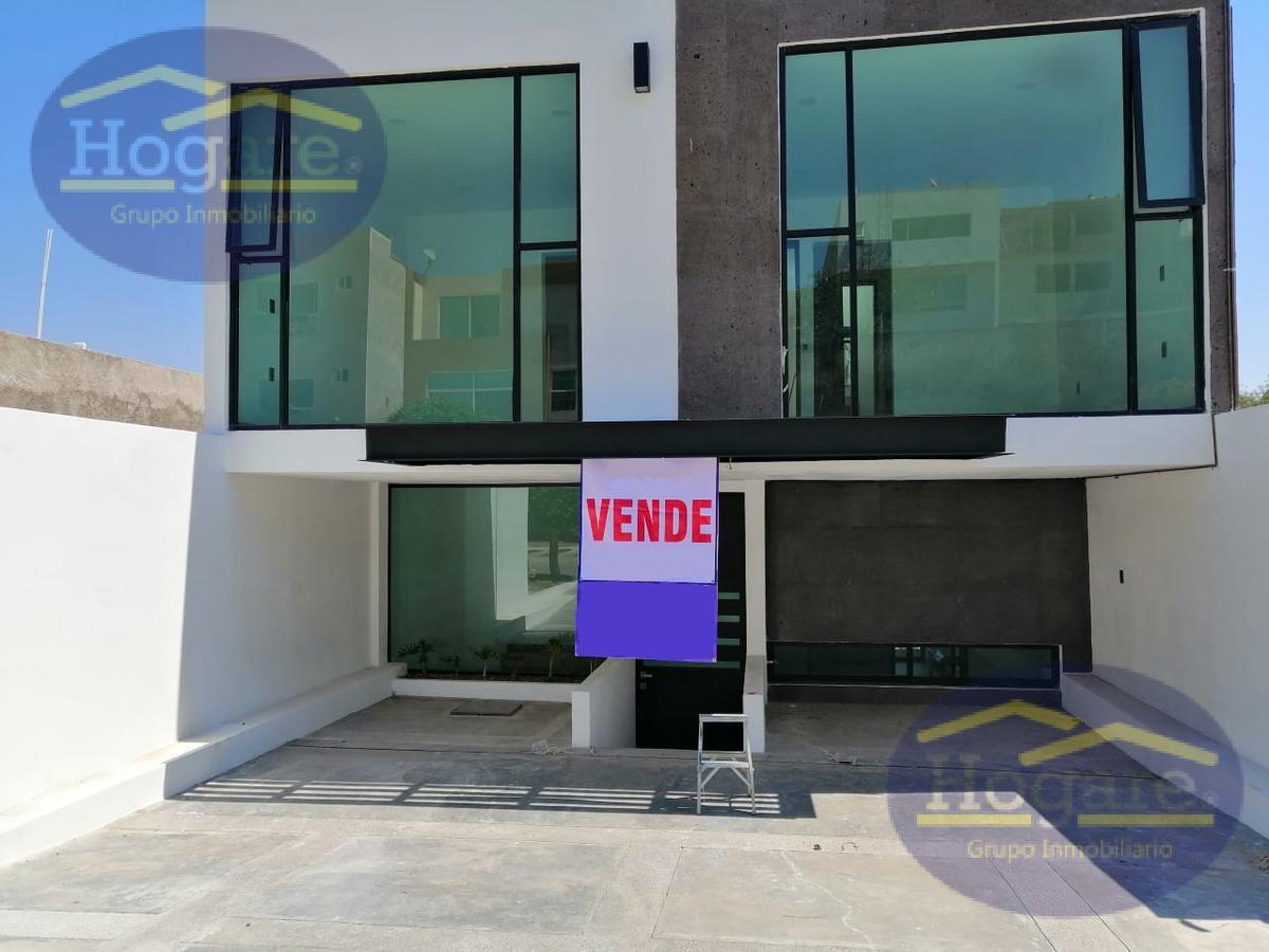 Casa en Venta en Barranca el Refugio en Zona Norte, Nueva en León, Gto.