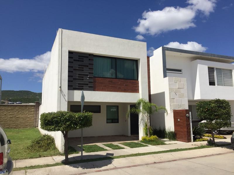 Casa en renta Residencial Punta del Este León Gto.