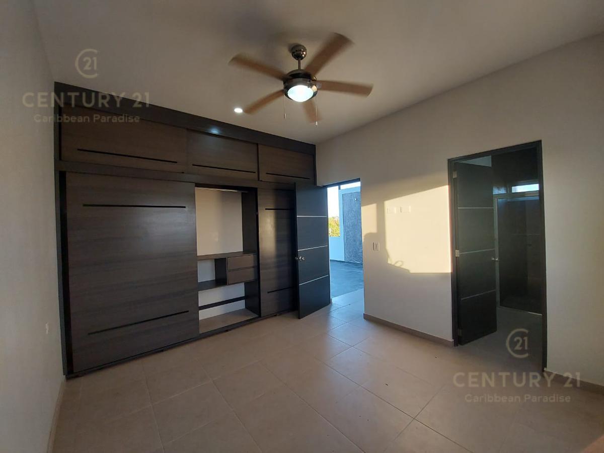 Playa del Carmen House for Sale scene image 38