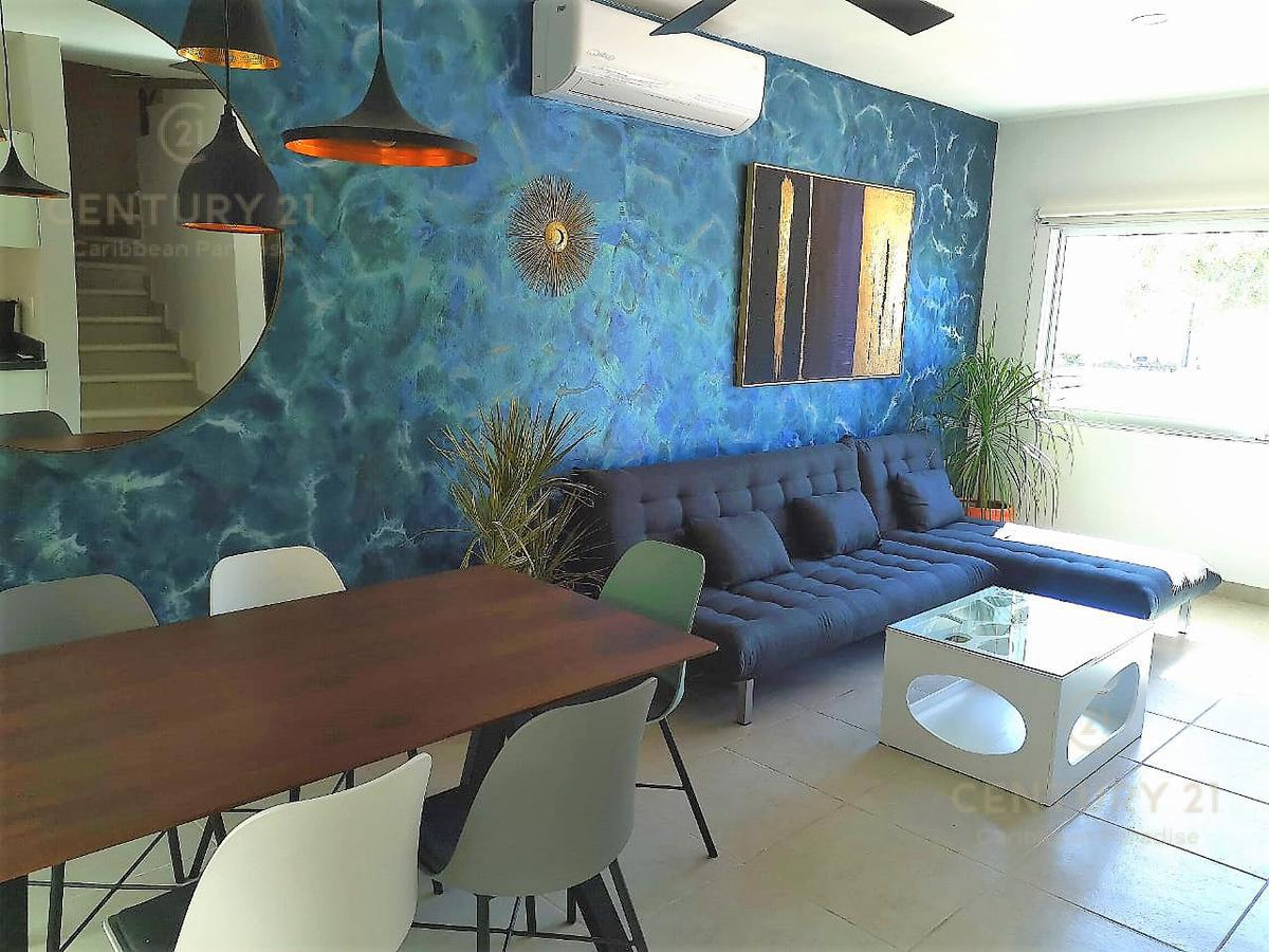 Playa del Carmen House for Sale scene image 0