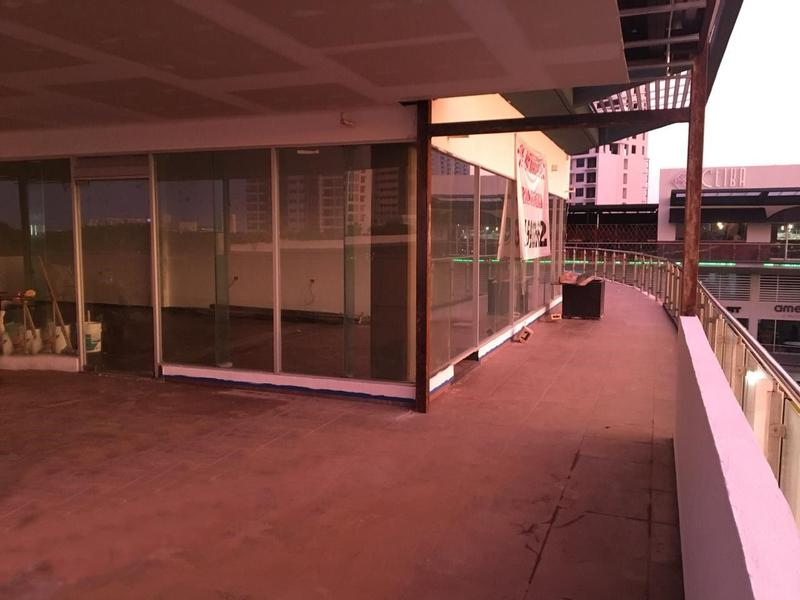 Supermanzana Bussiness Premises for Rent scene image 11