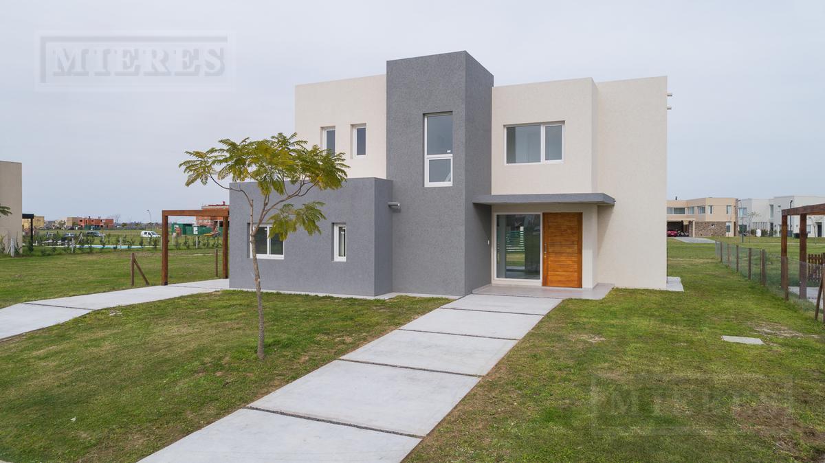 Casa en venta con renta en  Puertos Barrio vistas