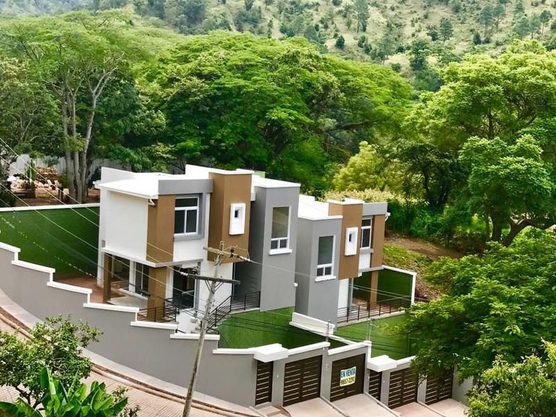 Foto Casa en Venta en  Cerro Azul,  Tegucigalpa  Casa En Venta Res Cerro Azul Salida a Valle De Angeles Km 4.2 Tegucigalpa