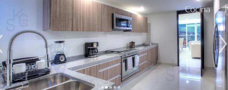 Foto Departamento en Venta en  Bosque Real,  Huixquilucan  SKG Asesores Inmobiliarios Venden Departamento en Bosque Real, Residencial Five, Excelente Oportunidad