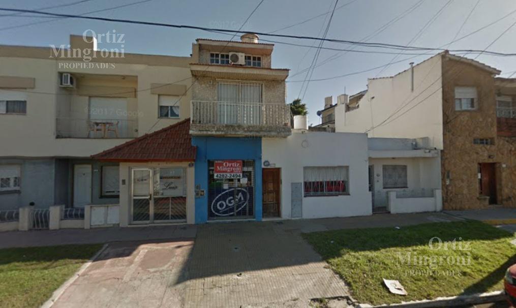Foto Edificio Comercial en Venta en  Lomas de Zamora Oeste,  Lomas De Zamora  Av. Frías al al 300
