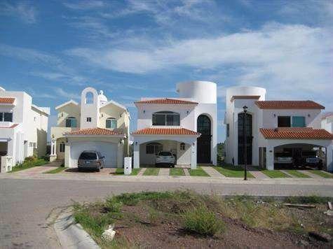 Foto Casa en Venta en  Fraccionamiento Marina Mazatlán,  Mazatlán  RESIDENCIA EN MARINA MAZATLAN