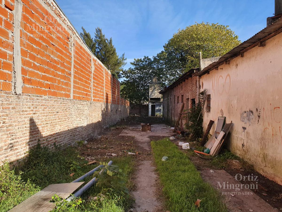 Foto Depósito en Alquiler en  Lomas De Zamora ,  G.B.A. Zona Sur  Santa Fe al 800