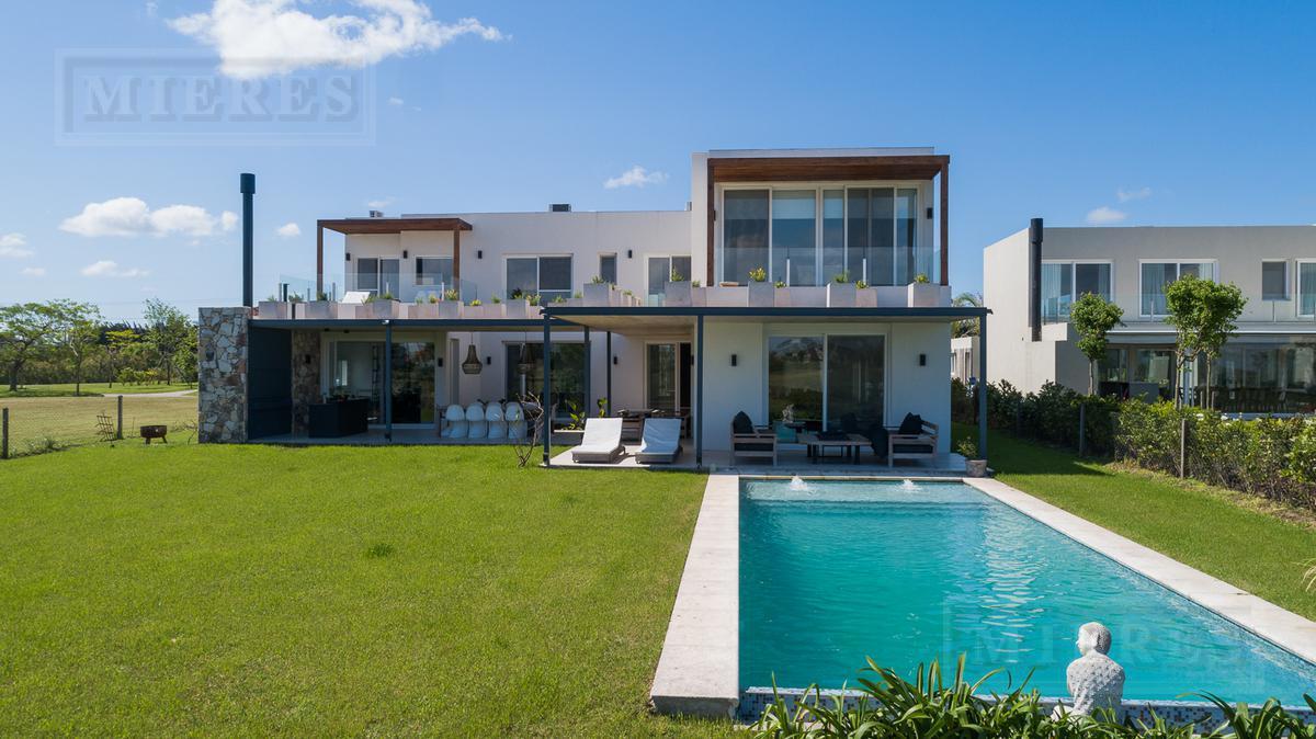 Casa - El Golf