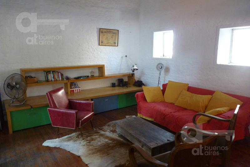 Foto PH en Alquiler temporario en  San Telmo ,  Capital Federal  Paseo Colon al 1100