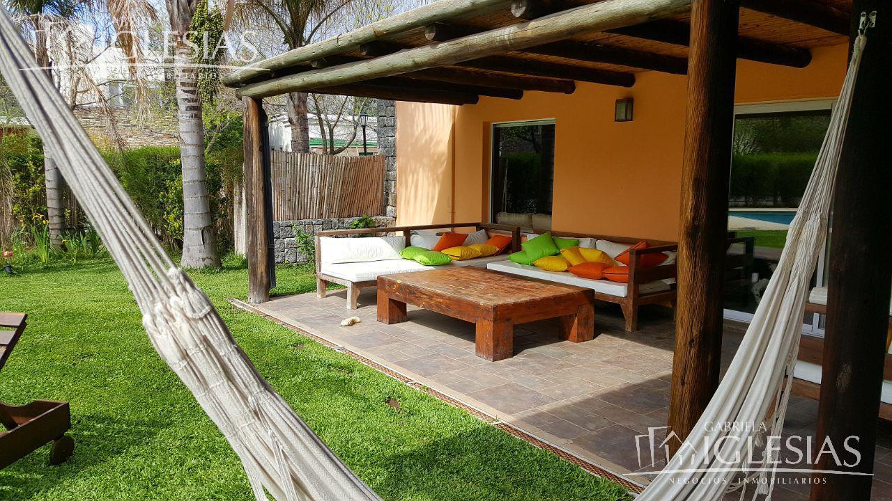 Casa en Venta  en Villanueva Santa Catalina