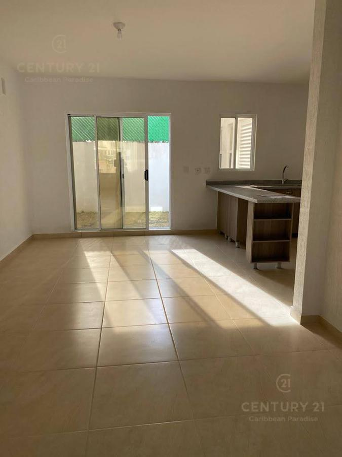 Jardines del Sur House for Rent scene image 3