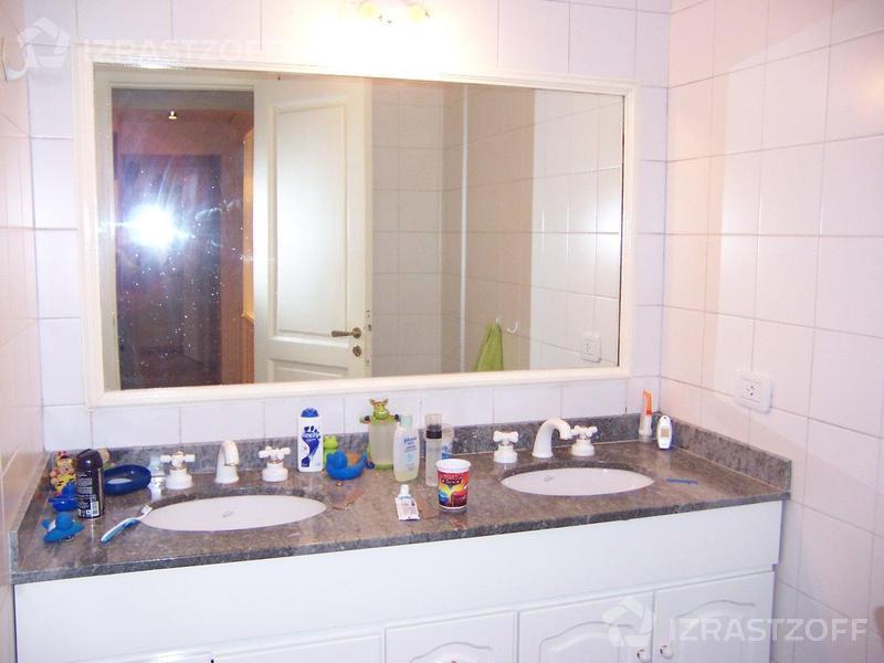 Casa-Venta-Barrio San Isidro-BERMEJO 2400 e/Obarrio y Gurruchaga