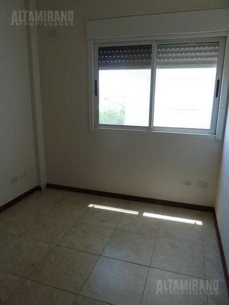 Foto Departamento en Alquiler en  Villa Ballester,  General San Martin  Independencia al 5100