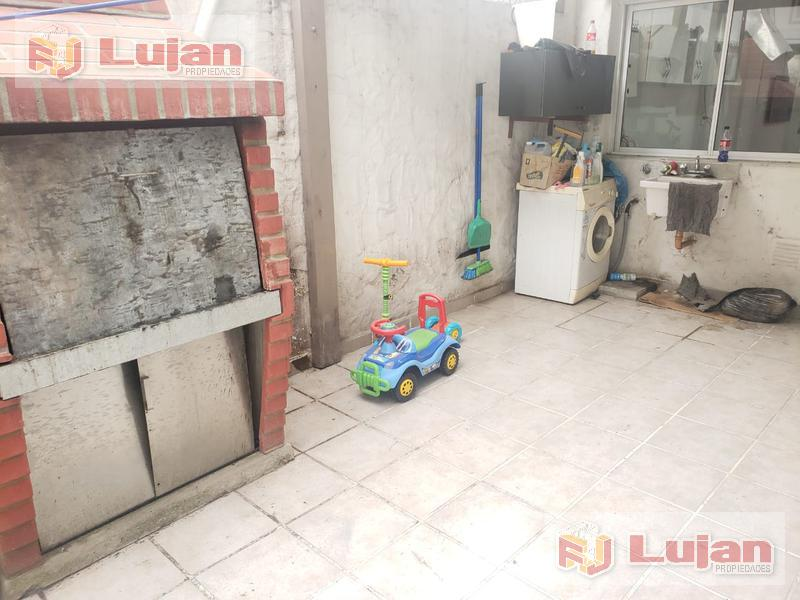 Foto PH en Venta en  Mataderos ,  Capital Federal  Tandil al 6800, PH al frente entreda ind. con garaje