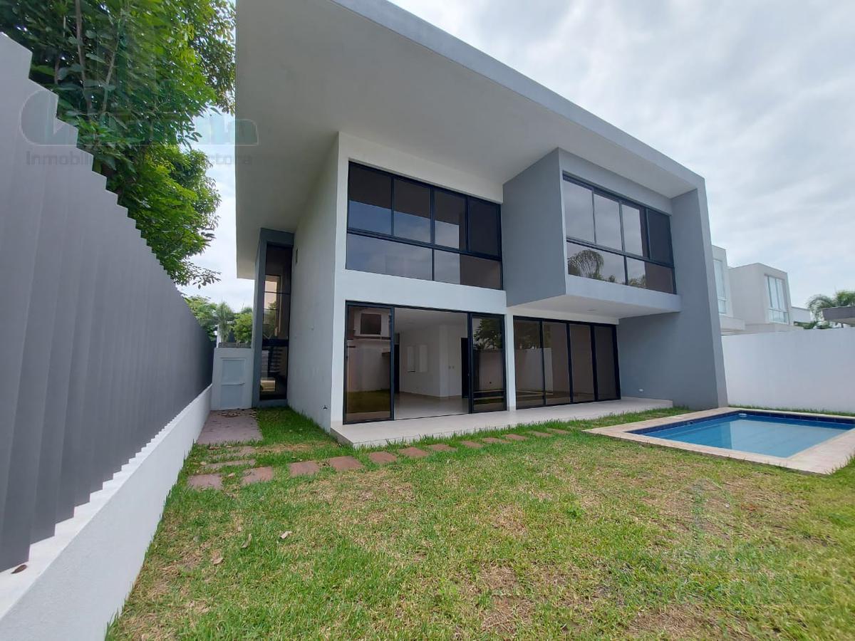 Foto Casa en Venta en  Samborondón,  Guayaquil  VENTA VILLA BIEN ILUMINADA DE ESTRENO EN ISLA MOCOLI
