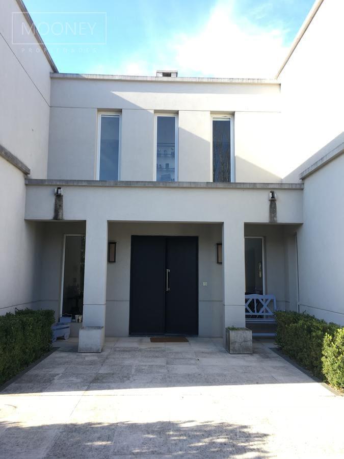 Foto Casa en Venta en  Santa Barbara,  Countries/B.Cerrado  SANTA BARBARA