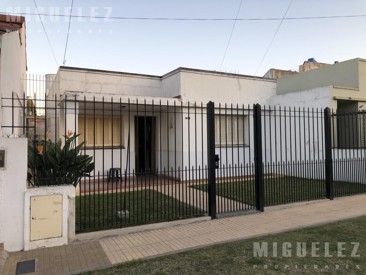 Foto Casa en Venta en  Banfield,  Lomas De Zamora  GRANADEROS 1835