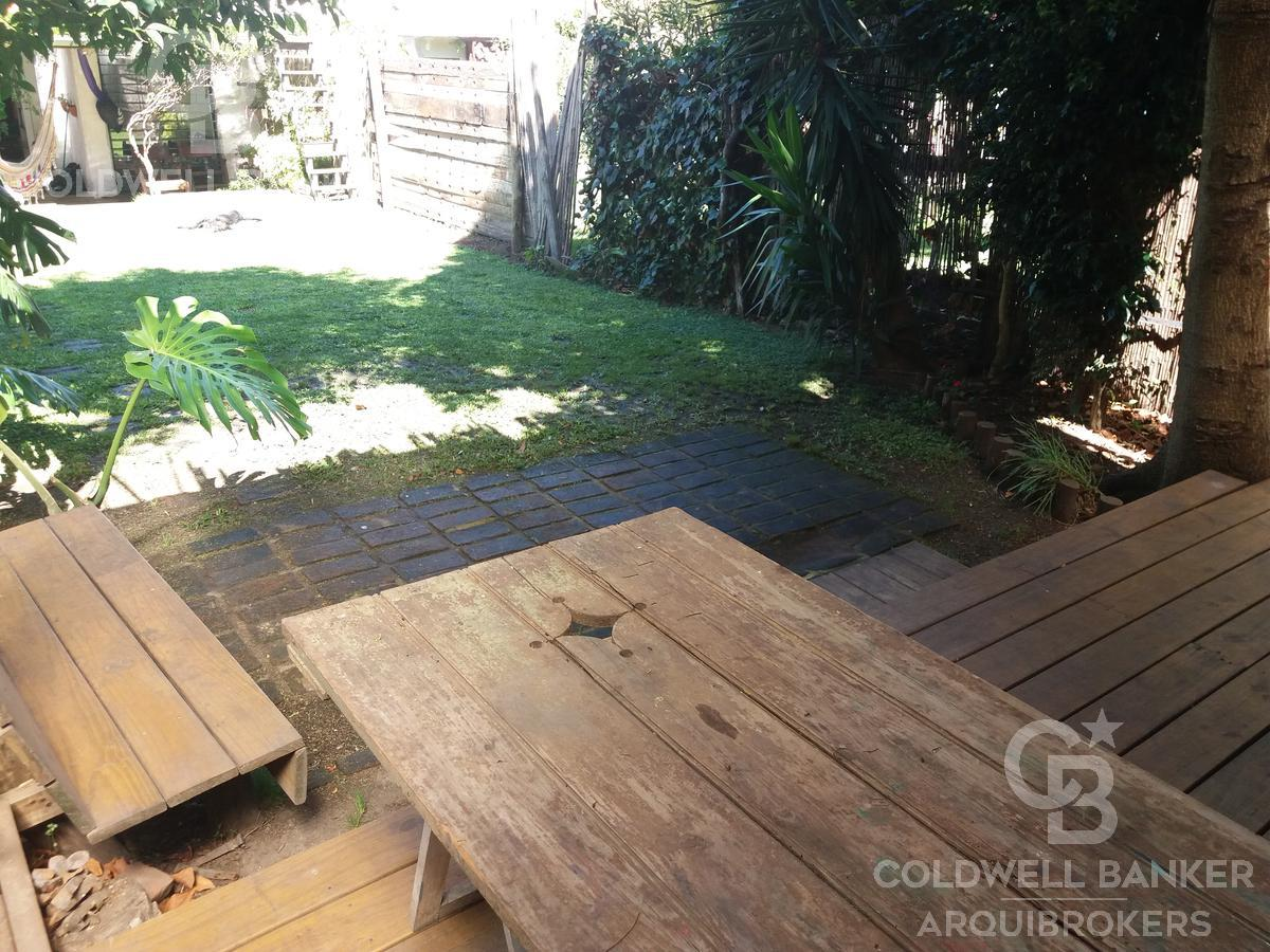 Foto Casa en Venta en  Pocitos ,  Montevideo  Casa de 3 dormitorios en venta con renta en Pocitos