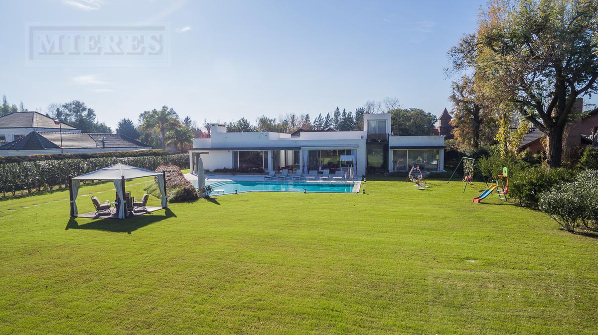 Mieres Propiedades - Excelente casa de 700 mts. en Farm Club