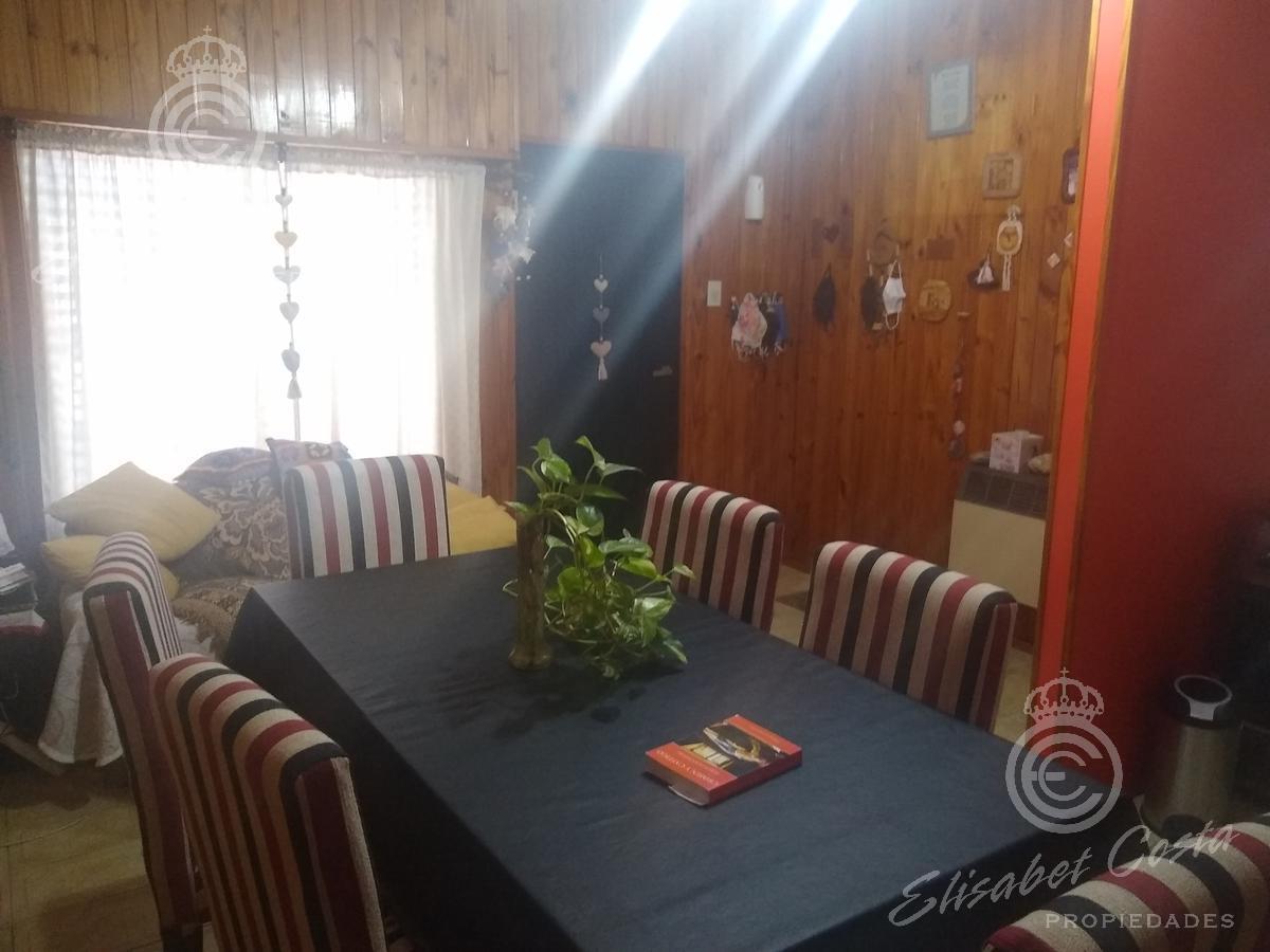 Foto PH en Venta en  Remedios De Escalada,  Lanus  Ocaña al 3500