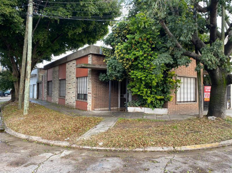 Foto Casa en Venta en  Jose Leon Suarez,  General San Martin  Italia al 6500