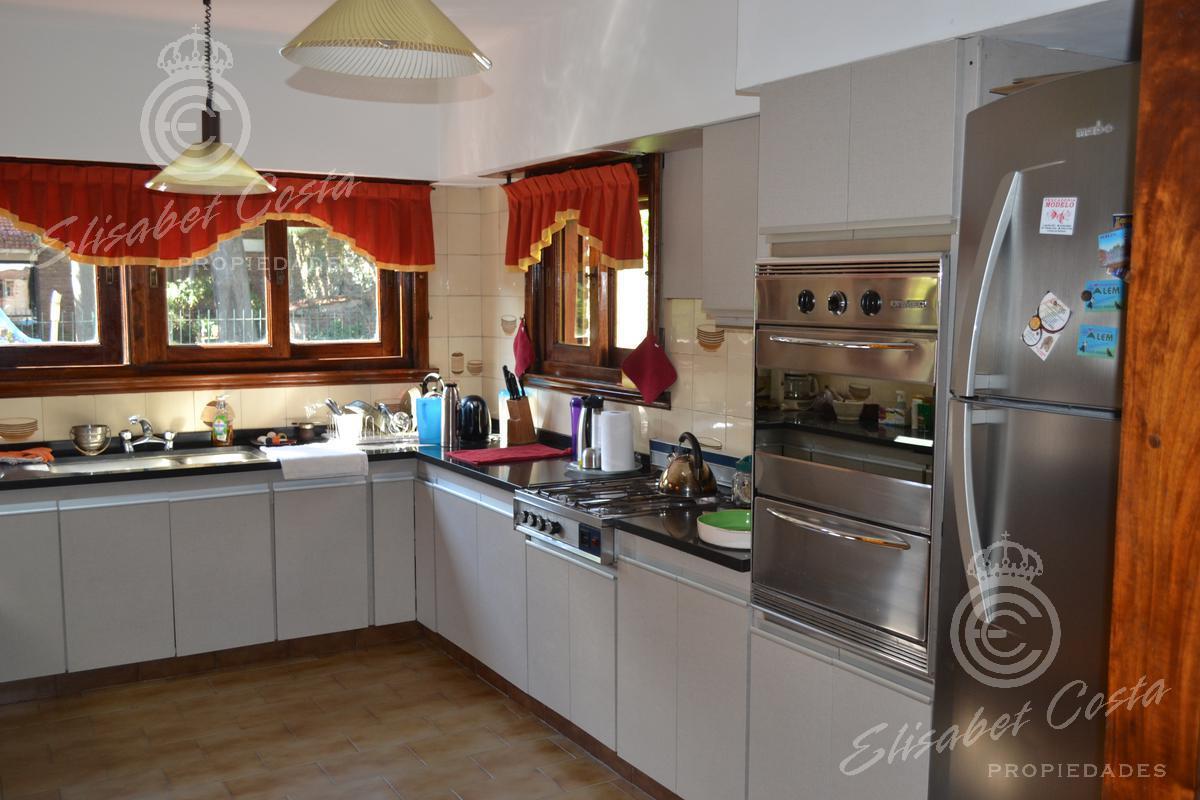 Foto Casa en Venta en  Banfield Oeste,  Banfield  Las Heras 41