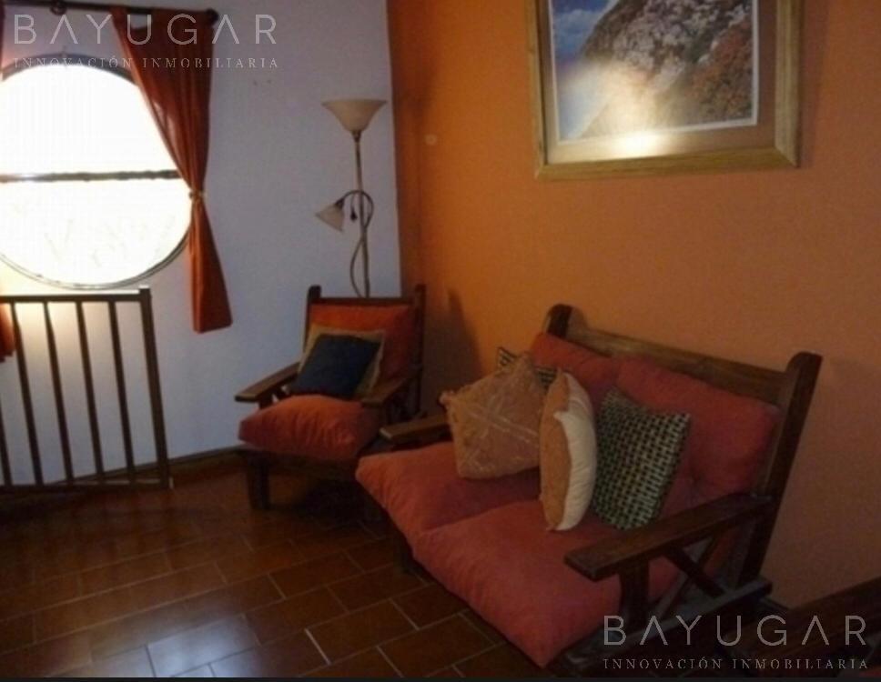 Foto Casa en Venta en  Golfer's,  Countries/B.Cerrado (Pilar)  Sólida casa en venta, Golfers country Club – Bayugar negocios inmobiliarios