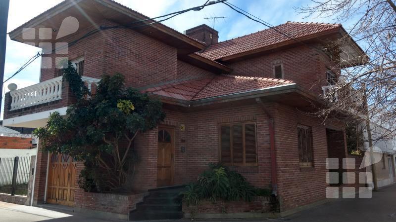 Foto Casa en Alquiler en  La Plata ,  G.B.A. Zona Sur  20 y 35