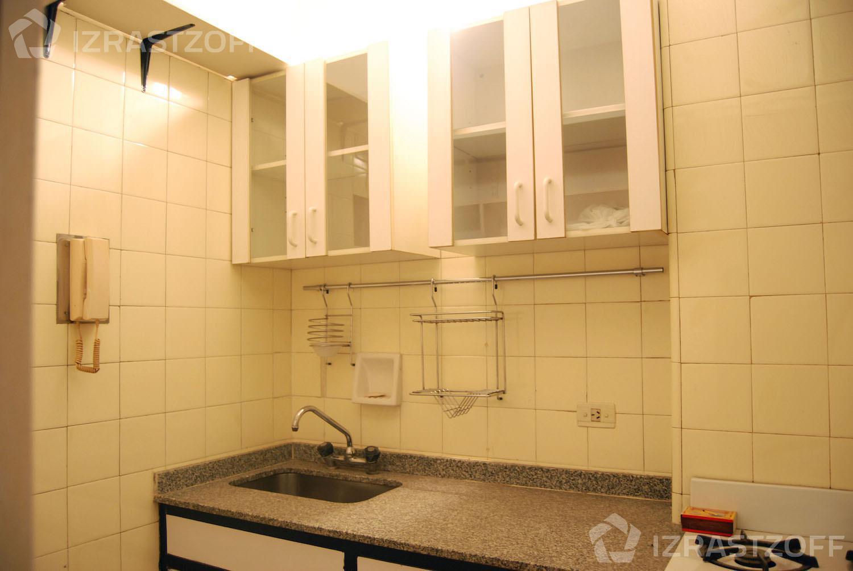 Departamento-Alquiler-Recoleta-Talcahuano 1100 e/Arenales y Santa Fe
