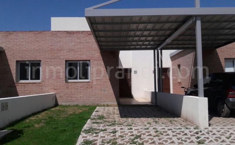 Foto Casa en Alquiler en  Altos de Manantiales,  Countries/B.Cerrado   Raul Carlos Brogin al 100