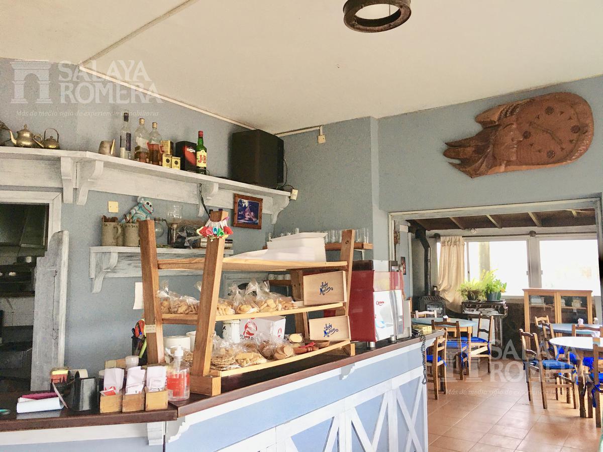Foto Local en Venta en  Playa Mansa,  Punta del Este  UNICO! Excelente local comercial con habilitación gastronómica en Playa Mansa
