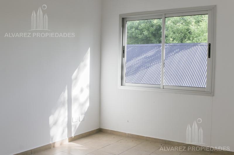 Foto Departamento en Venta en  Ituzaingó ,  G.B.A. Zona Oeste  Jose María Paz al 400
