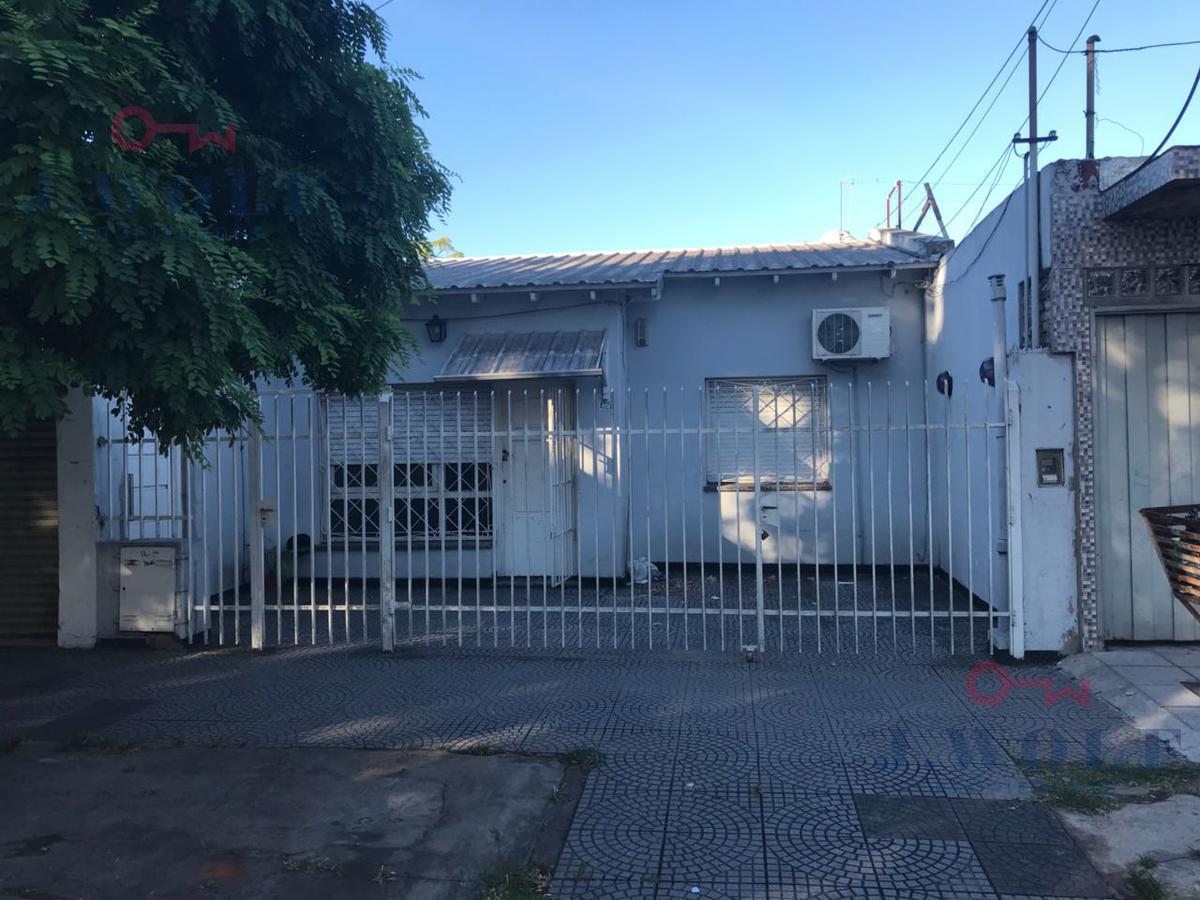 Foto Casa en Venta en  Billinghurst,  General San Martin  Eva Perón al 4700