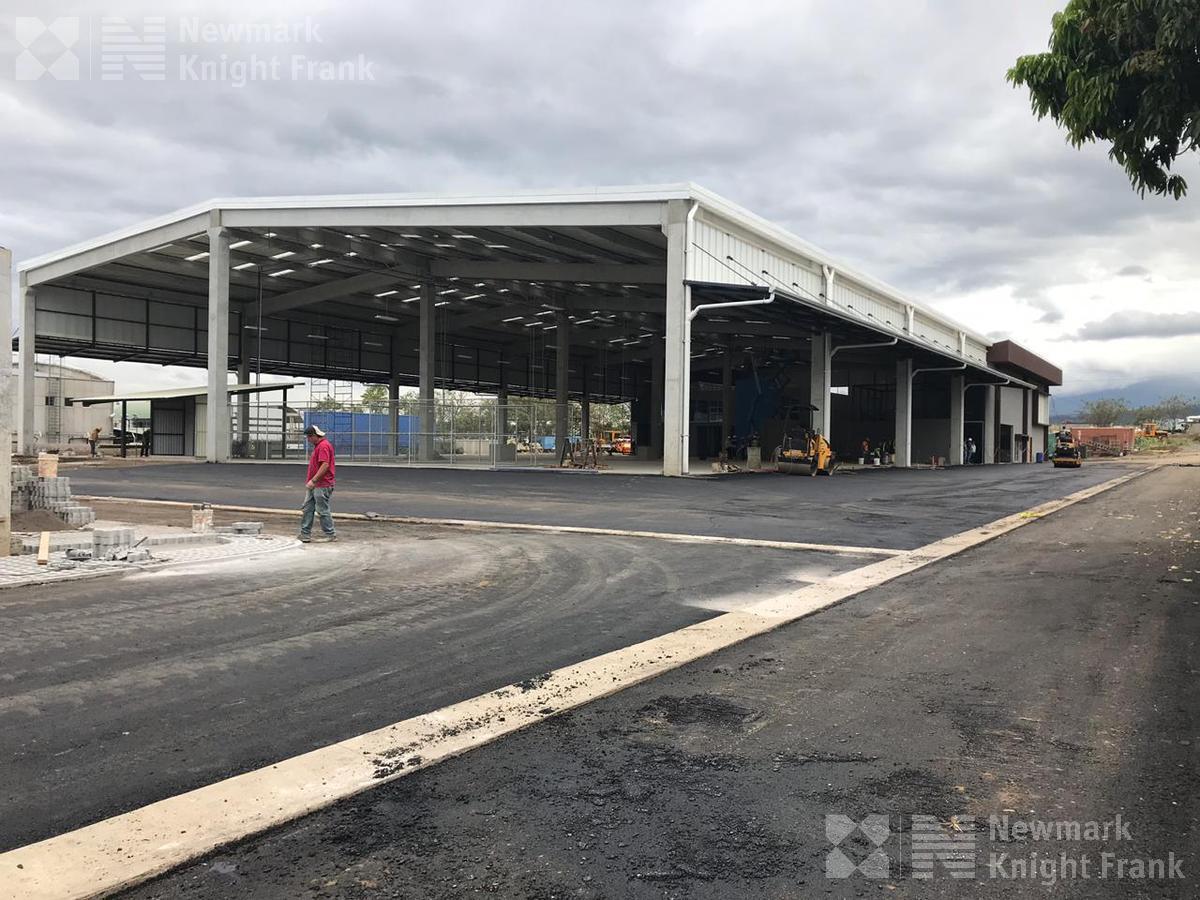 Foto Bodega Industrial en Venta en  San Joaquín de Flores,  Flores   Ofibodega en alquiler y venta en Heredia.