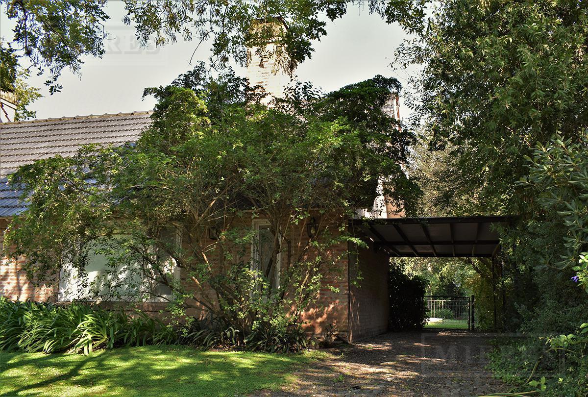 MIERES Propiedades- Casa de 325 mts en Martindale CC