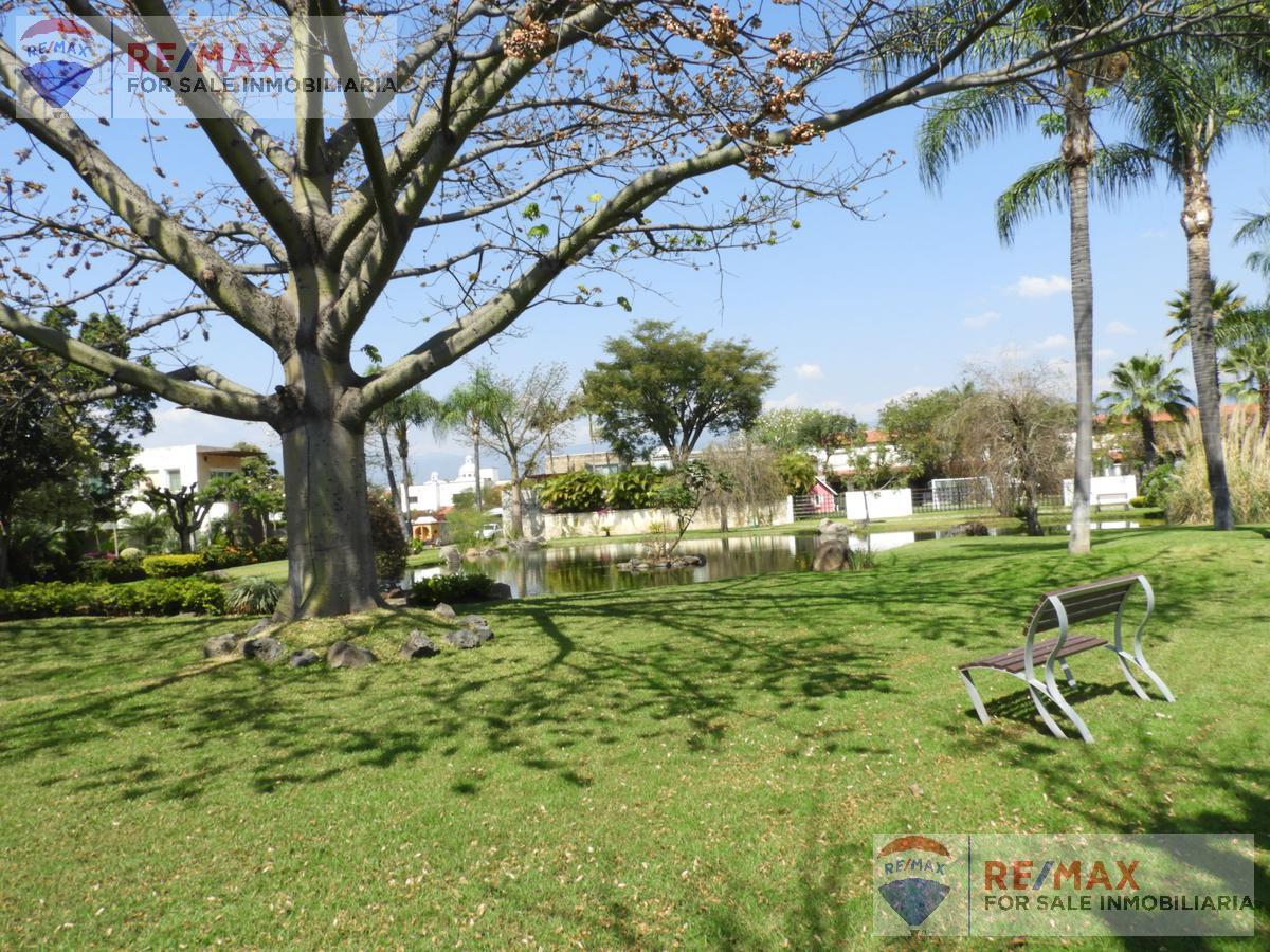 Foto Terreno en Venta en  Pueblo José G Parres,  Jiutepec  Venta de terreno en Fraccionamiento, Jiutepec, Morelos…Clave 3059