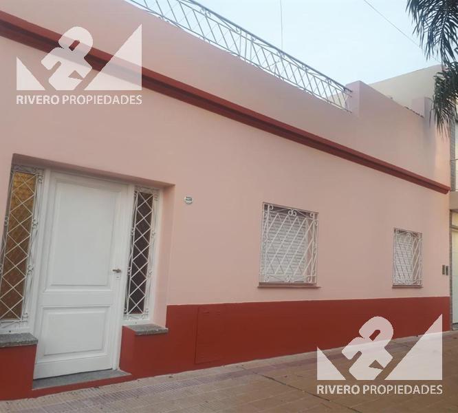 Foto Casa en Venta en  Castelar Norte,  Castelar  Maestra Castroman  2200